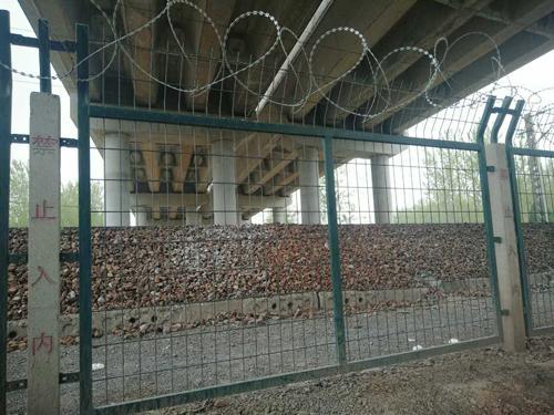 铁路8001防护栅栏
