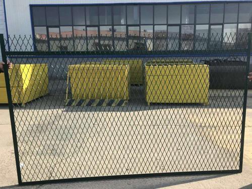 钢板网铁路防护栅栏
