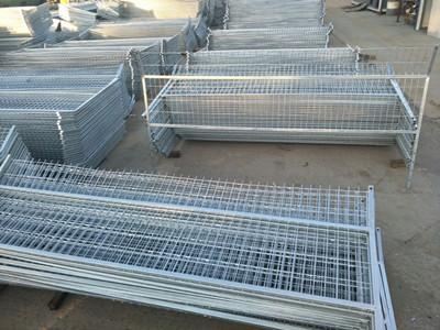 镀锌铁路防护栅栏 (3).jpg
