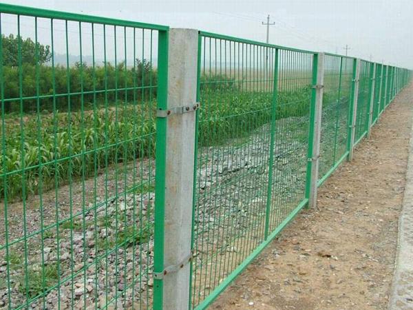铁路线路防护栅栏施工方案