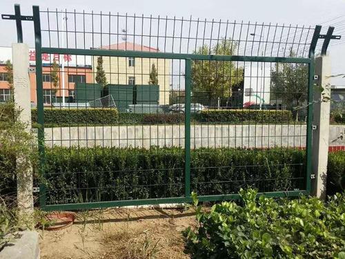 浸塑铁路防护栅栏