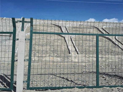 铁丝网铁路防护栅栏