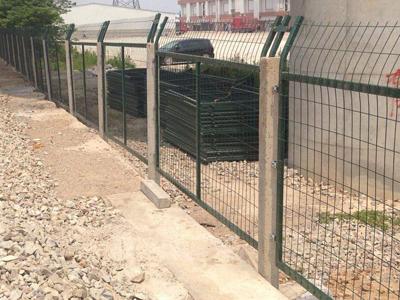 铁丝网铁路防护栅栏 (1).jpg