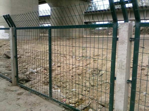 铁路线路防护栅栏安装及设置